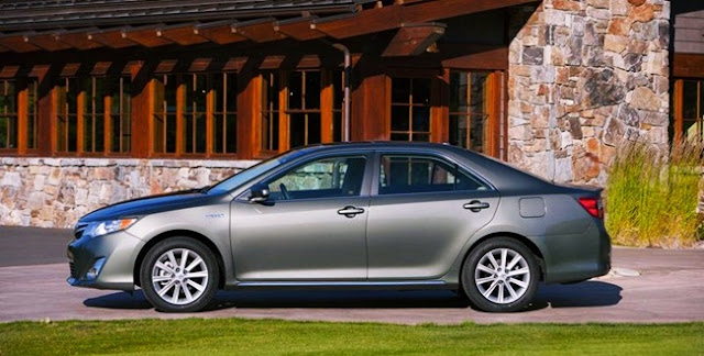 2012 Toyota Camry XLE Review Edmunds