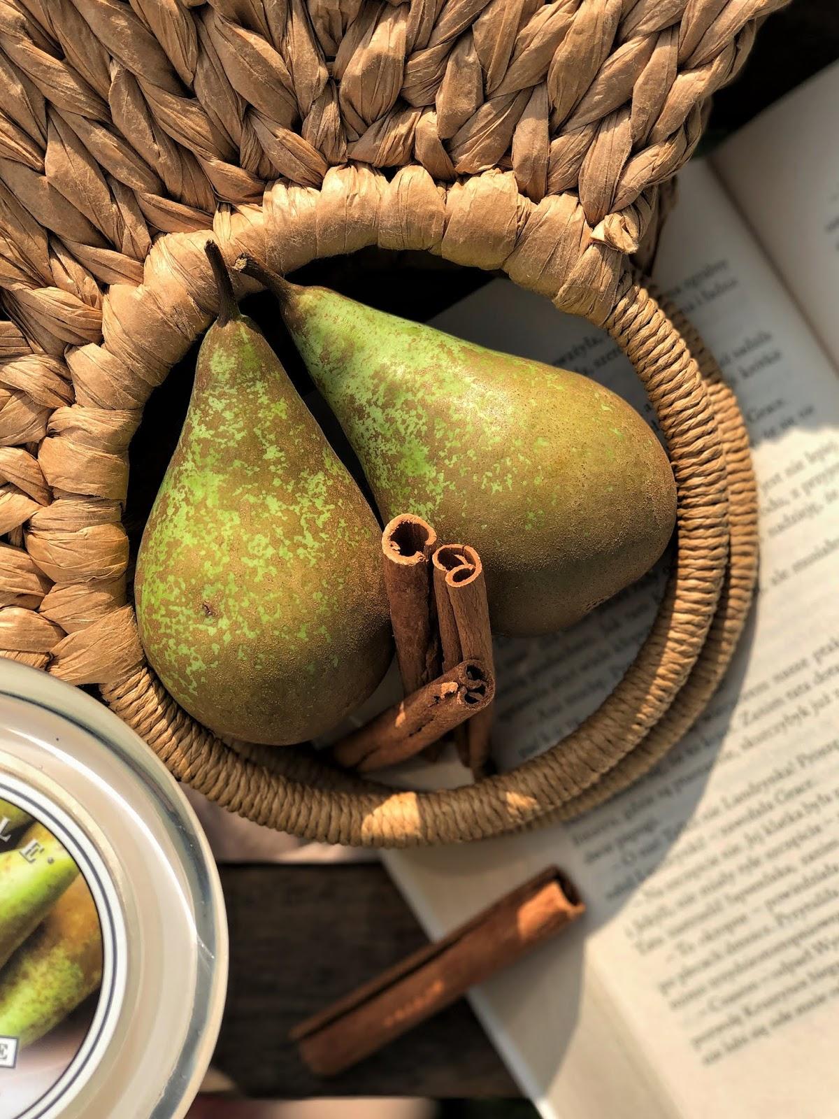 Anjou&Allspice-Kringle-Candle-nuty-zapachowe