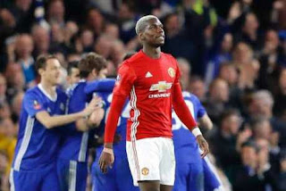 Mourinho defends under-fire Paul Pogba