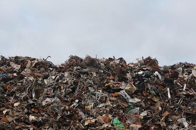 https://www.pexels.com/photo/scrap-metal-trash-litter-scrapyard-128421/