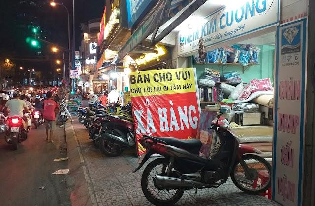 Bán chỉ cho vui... ở Sài Gòn!