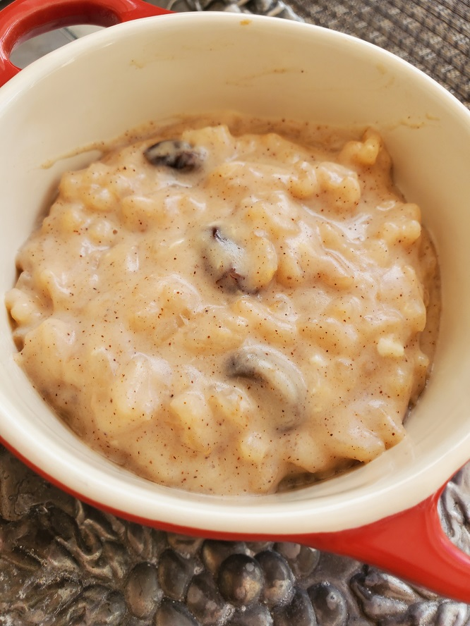 this is a creamy old fashioned homemade rice pudding with raisins