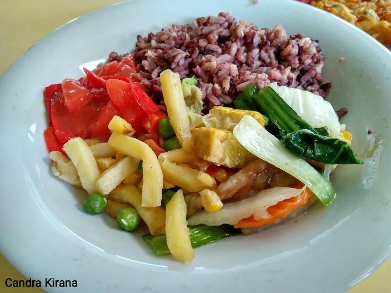 Rekomendasi Resto Vegetarian di Kota Solo Enak dan Terjangkau