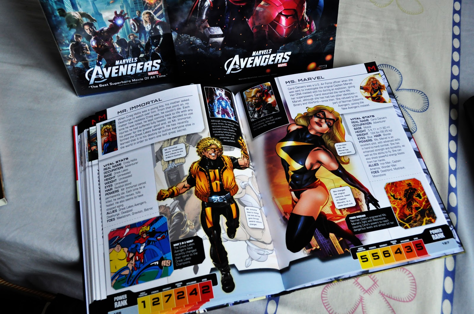 Toy Construct: The Avengers Best Buy Exclusive Blu-ray