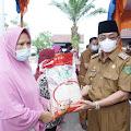 HM Wardan Lepas Launching Penyaluran Bantuan Beras PPKM untuk Penerima PKH dan BST
