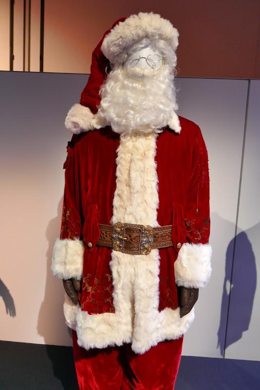 Santa Clause 3 suit