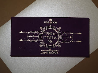 Review Magical Mystical Me oogschaduw palette van essence