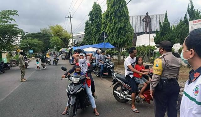 Razia masker oleh petugas gabungan