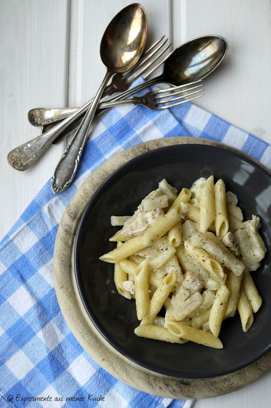 Experimente aus meiner Küche: Pasta in cremiger Kohlrabi-Hähnchen-Soße