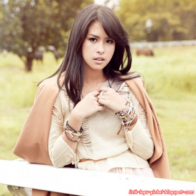 Lirik Lagu Maudy Ayunda - Jakarta Ramai