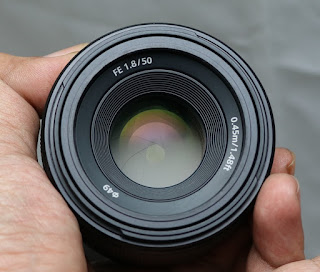 Lensa Fix Sony FE50mm f1.8