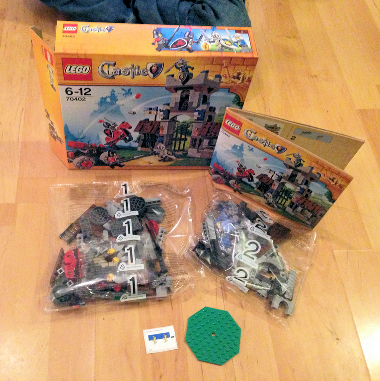 Lego Castle The Gatehouse Raid 70402 Review Unique Young Mum