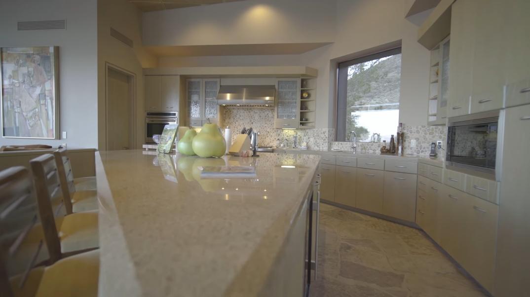 41 Interior Design Photos vs. 45 Sky Ridge Rd, Rancho Mirage, CA Luxury Modern Rustic Home Tour