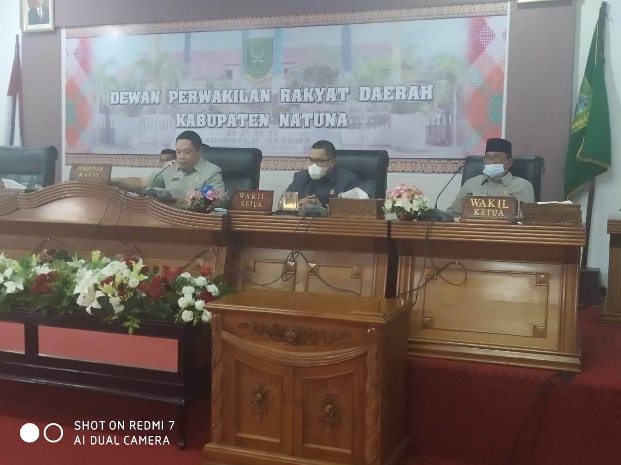 DPRD Natuna Tetepkan Pasangan  Wan siswandi dan Rodhial Huda Sebagai Kepala Daerah Terpilih Hasil Pemilukada Serentak Tahun 2020.