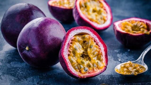 Passion fruit: Το τροπικό φρούτο που πρέπει να εντάξετε στη διατροφή σας