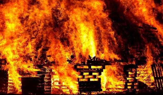 Perbedaan Panas Api Neraka dan Api Dunia