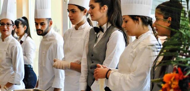 Προκήρυξη για  98 Εκπαιδευτές στα ΙΕΚ του Υπουργείου Τουρισμού
