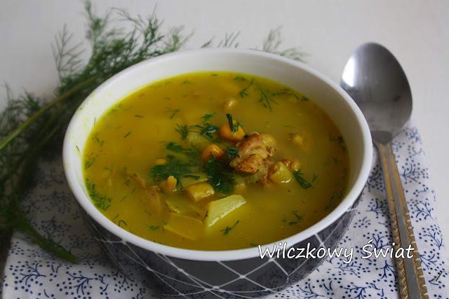 Zupa z kurczakiem, mleczkiem kokosowym i kurkumą