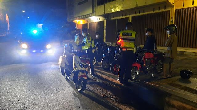 Blue Light Patrol Malam Hari Sat Lantas Polres Kotim Antipasi Maraknya Remaja Yang Balapan Liar