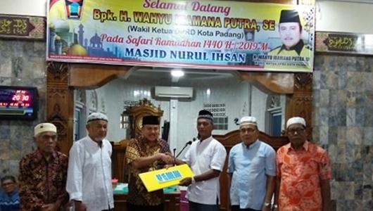 Wakil Ketua DPRD Padang Kunjungi Masjid Nurul Ikhsan Padang Baru Timur