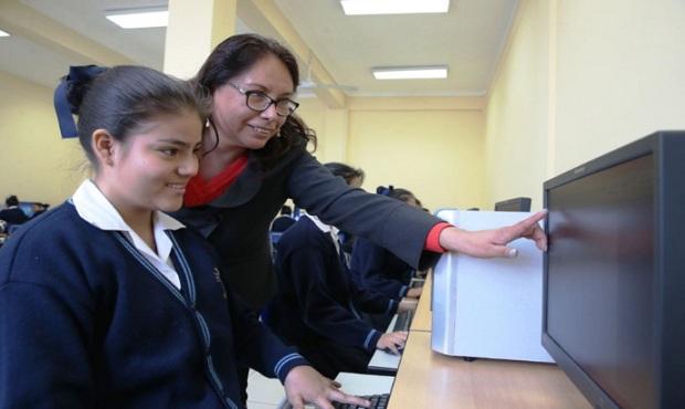Minedu: ofrecen 100,000 becas para reforzar competencias digitales de escolares
