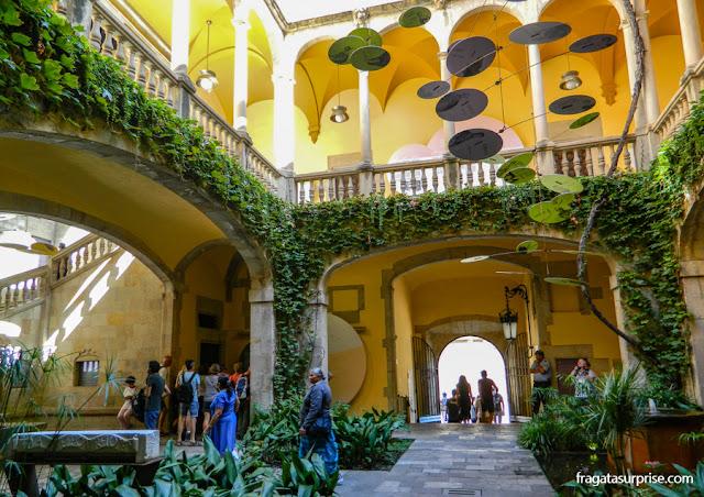 Pátio do Palácio de Lloctinent, sede do Arquivo Geral da Coroa de Aragão, Barcelona