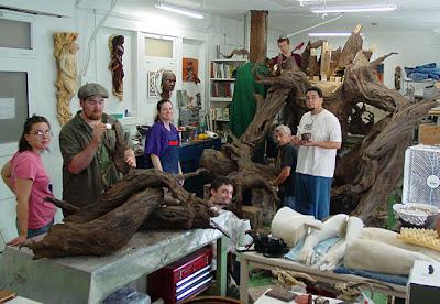 Escultura de papel mache gigante