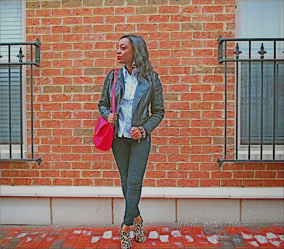 Jewels with style, wearing animal print, wearing leopard print, black fashion blogger,leopard print shoes, style blogger, Leopard print boots, red crossbody purse
