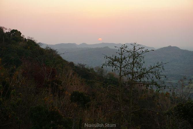 Matahari terbenam dari ujung Gedangsari