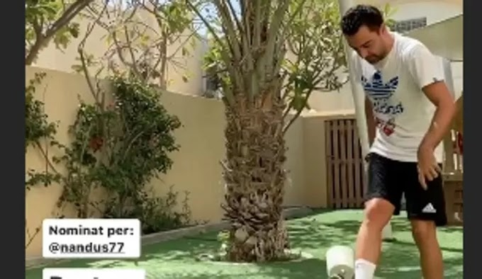 Xavi challenges Messi and Busquets in 10-touch challenge with toilet paper