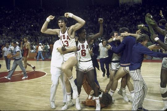 Американцы преждевременно празднуют победу над сборной СССР в финале