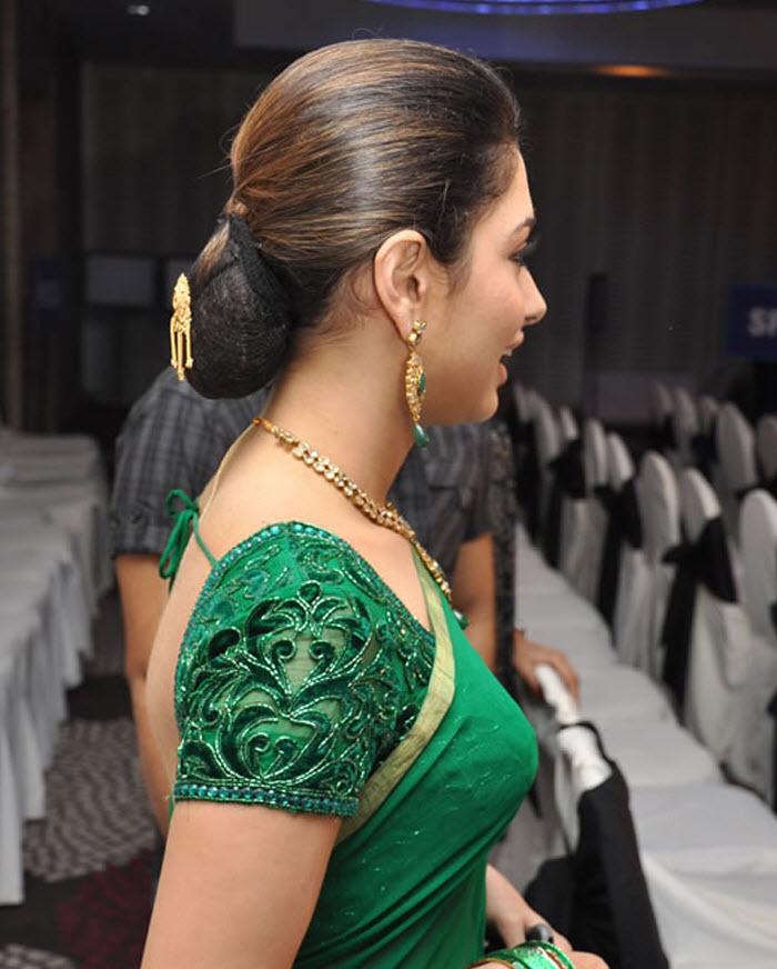 Sexy Actress From India: Tamanna Hot Back