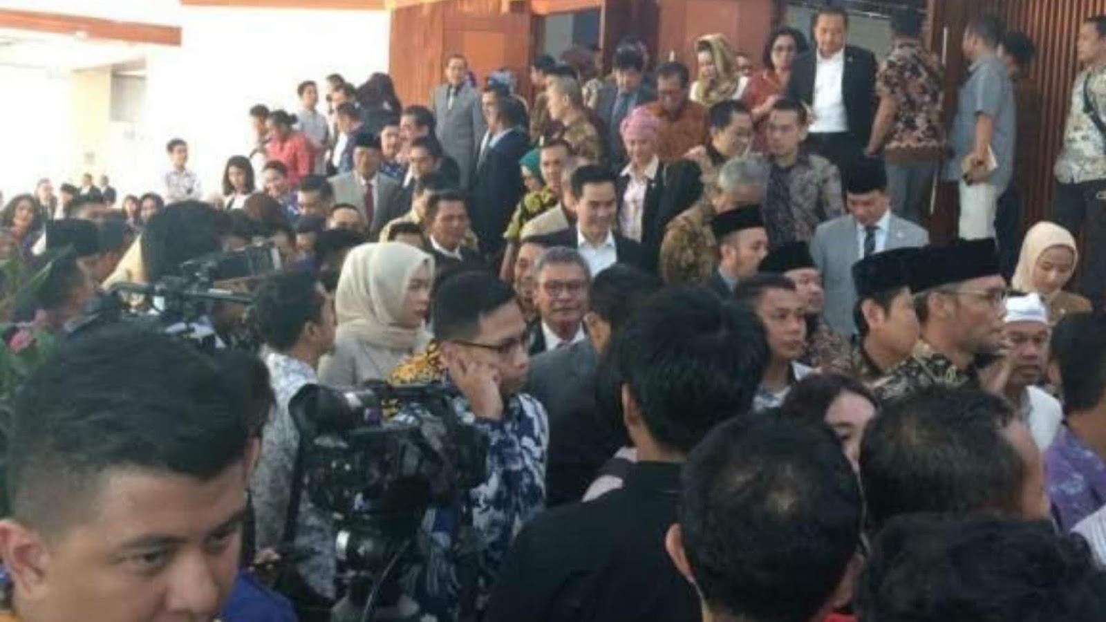 2.000 Anggota DPR dan Keluarga Dites Corona Duluan, Rakyat Belakangan?