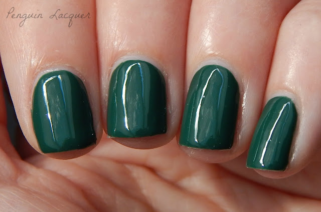 kiko mini nail lacquer 32 forest green nah
