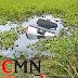 Pedestre localiza carro dentro de rio em Barra do Jacaré, SJB