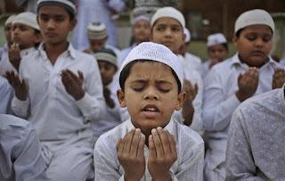 Bolehkah Orang Tua Bawa Anaknya ke Masjid