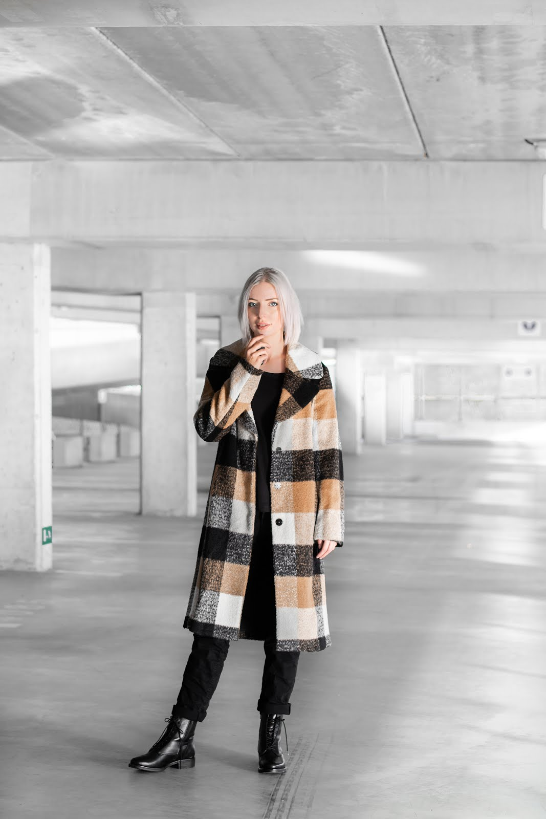 s.Oliver, color block, winter coat, checkered, minimalist, all black, camel, trend, 2018, lace up boots
