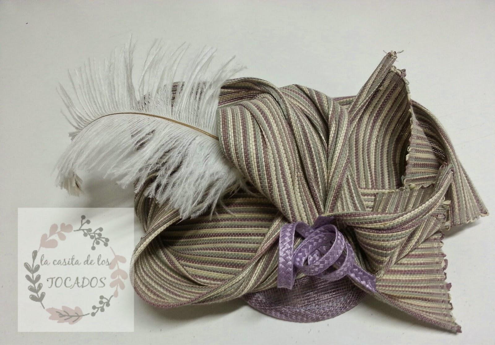 tocado artesanal para boda con pluma de avestruz de tamaño medio