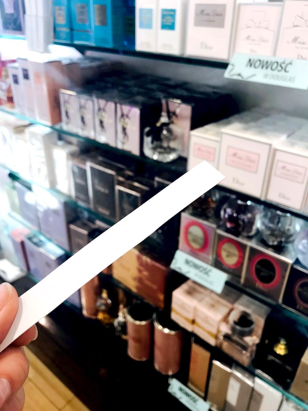 Co to jest blotter, Jak używać blottera, blotter, perfumy, Moda, blotter perfumy, blotter paper, blottery do perfum, zapach, paper blotter tabs, mouillettes