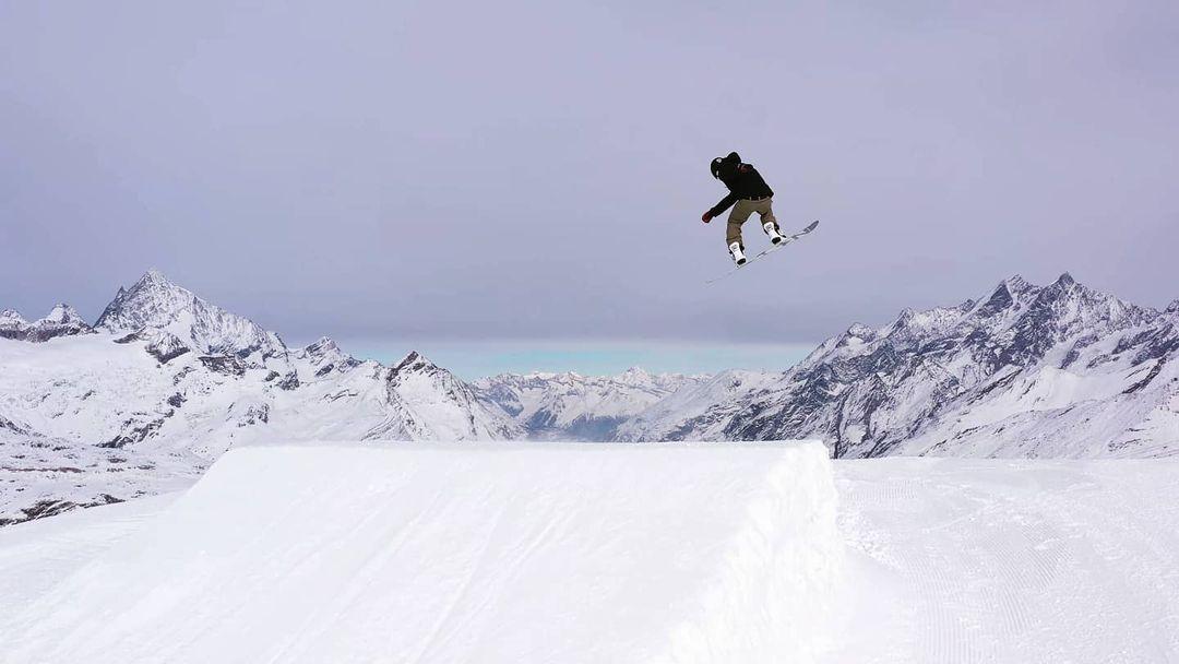 Professional ski zermatt swiss