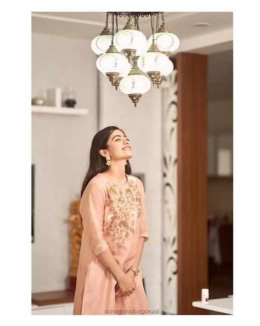 actress rashmika mandanna photos download