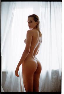Hot ladies - Sylwia-Koronkiewicz-by-Tomek-Makolski-4.jpg