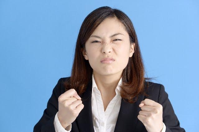 怒りの圧倒的なパワーは、むしろ創作にこそぶつけるべきでは。