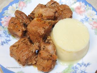 Friptura de porc cu piure de pastarnac reteta mancare de casa cu carne si legume,