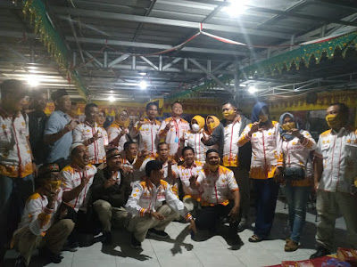 Penuhi Syarat Dukungan KTP, Pasangan Ike-Zam dan Relawan Bersyukur