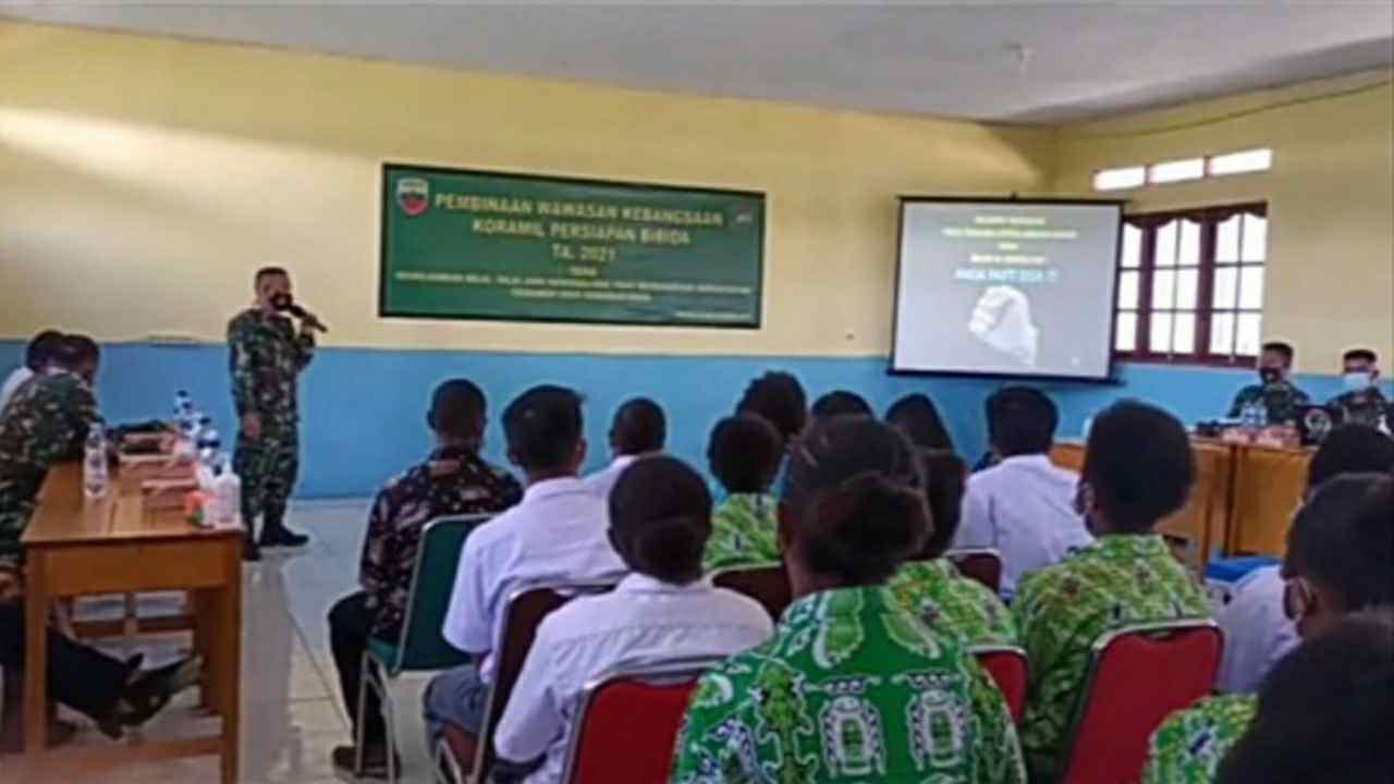 Satgas Teritorial Kodam I/BB Berikan Wawasan Kebangsaan Kepada Siswa Sekolah di Paniai Papua