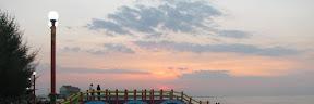 Pantai Pasir Kencana Pekalongan dengan Jembatan Cinta Pantai Pasir Kencana Pekalongan dengan Jembatan Cinta