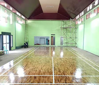 lantai kayu jati lapangan badminton