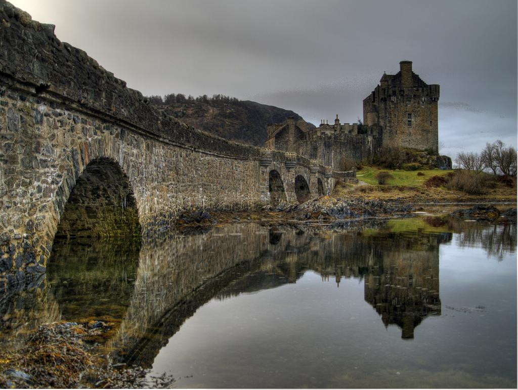 Black White Modern Wallpaper Eilean Donan Castle Scotland 13 Pic Awesome Pictures
