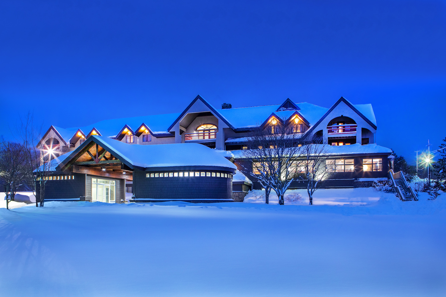 MCR acquires 102-room mountain lodge in East USA
